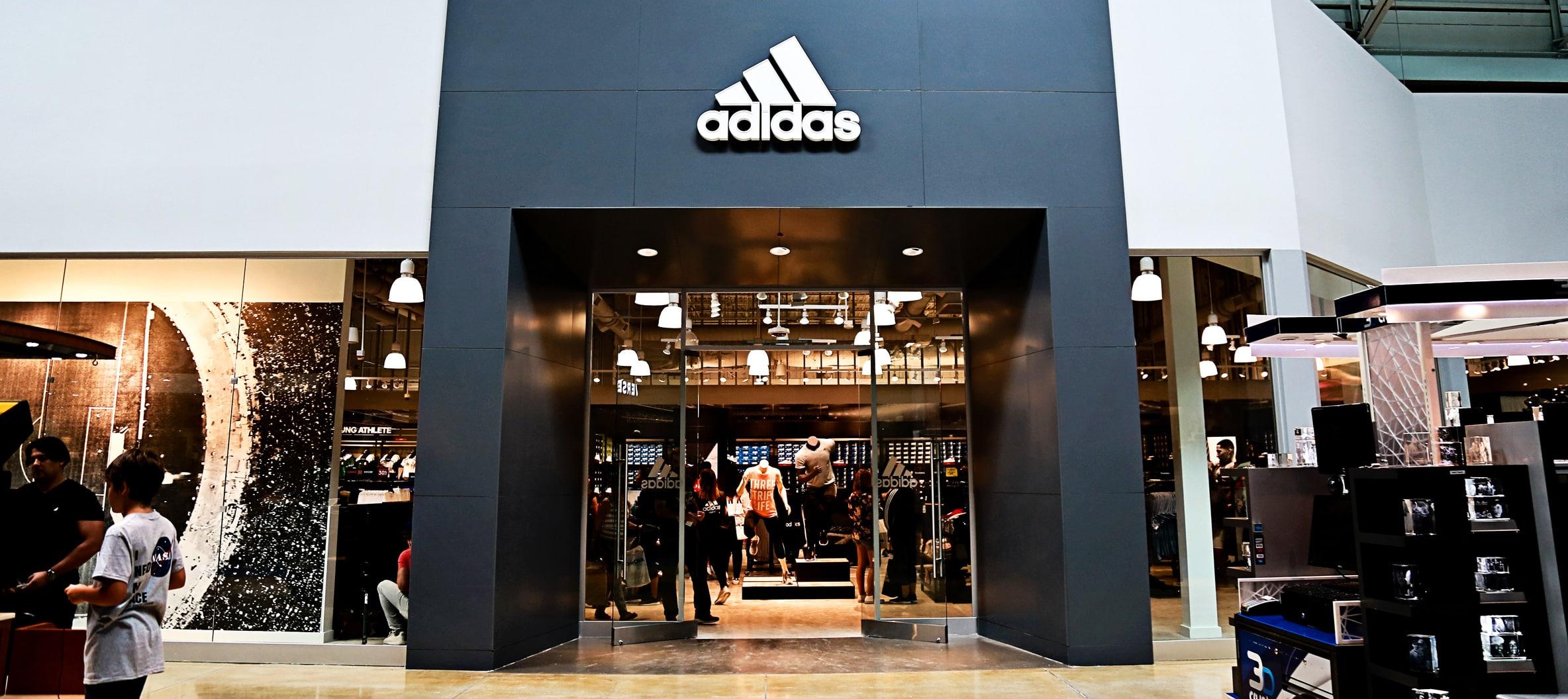 verbo salario buscar  Adidas Factory Outlet Store | Miami | Dolphin Mall