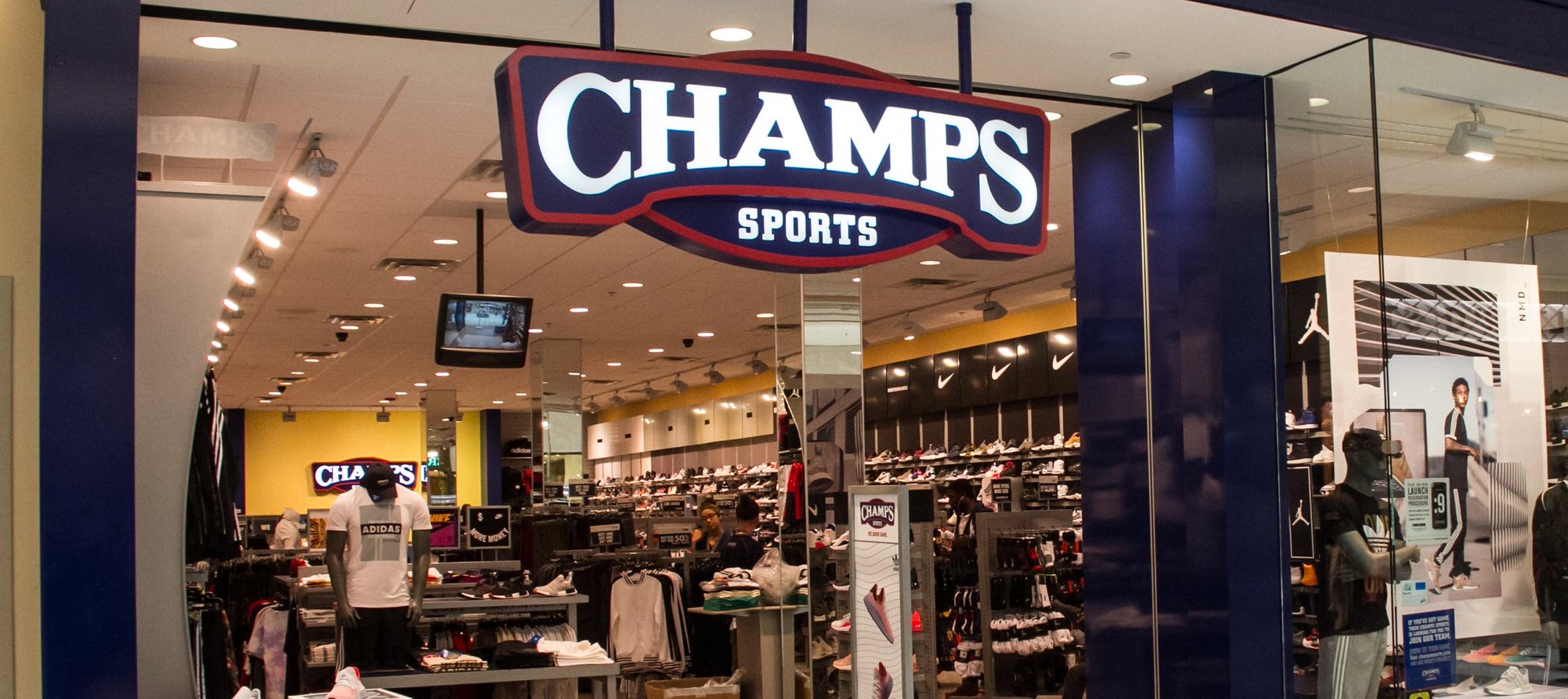 Presentador itálico Composición  Champs Sports | Tampa | International Plaza and Bay Street